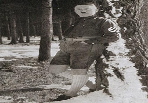 چرا هیتلر هیچوقت شلوار دو بنده نمیپوشید؟