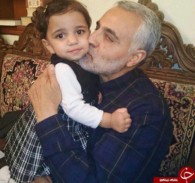 سردار سلیمانی و فرزند شهید مدافع حرم +عکس