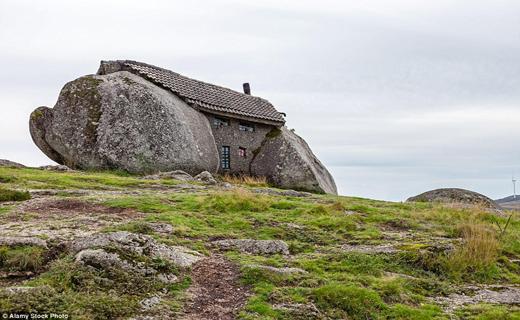 خانه هایی در دل سنگ+ تصاویر
