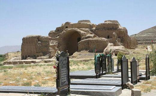 ناله های نخستین کاخ گنبددار ایرانی به گوش می رسد