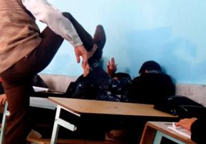 عکس فیلم جزئیات زنگ تنبیه در کلاس درس