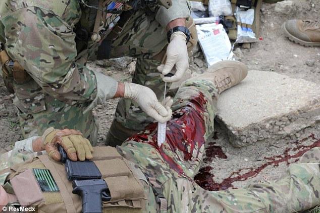 نسل جدید تجهیزات پزشکی مدرن مخصوص امداد در مناطق جنگی + تصاویر