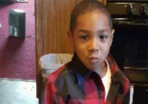 پسربچه بیگناه سه روز با جسد مادرش حبس شده بود + تصویر