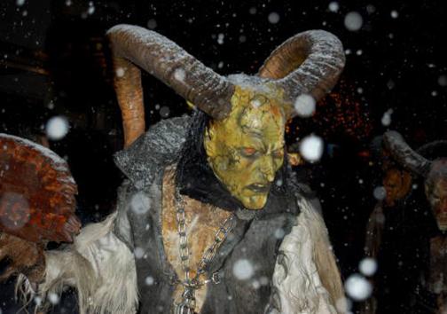 ترسناکترین جشن کریسمس در جهان + تصاویر