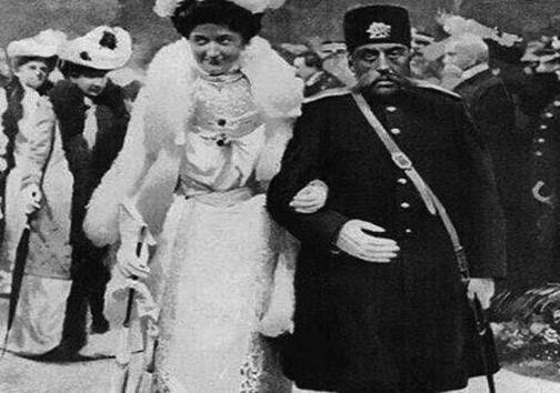 مظفرالدین و ملکه انگلیس در یک قاب+عکس