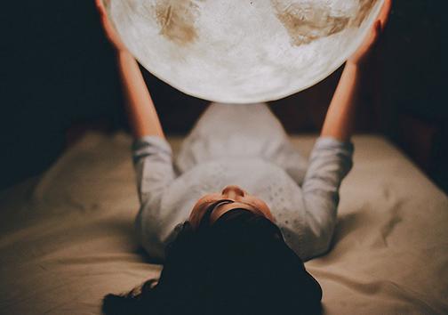 با این لامپهای جدید ماه را به خانهتان بیاورید +تصاویر