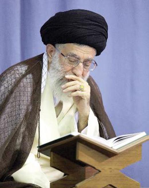 مقام معظم رهبری و انس با قرآن