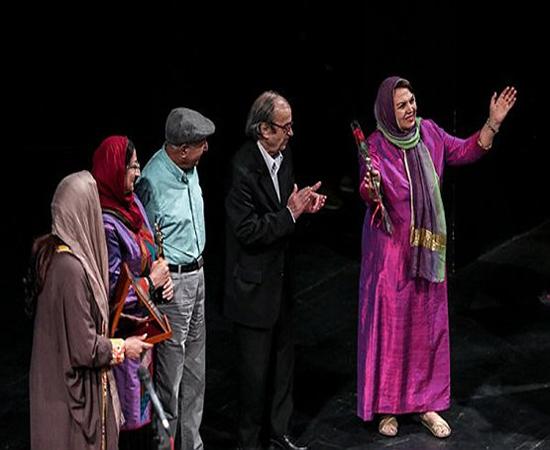 کنسرت خواننده زن قبل از انقلاب با مجوز رسمی در تالار وحدت +عکس