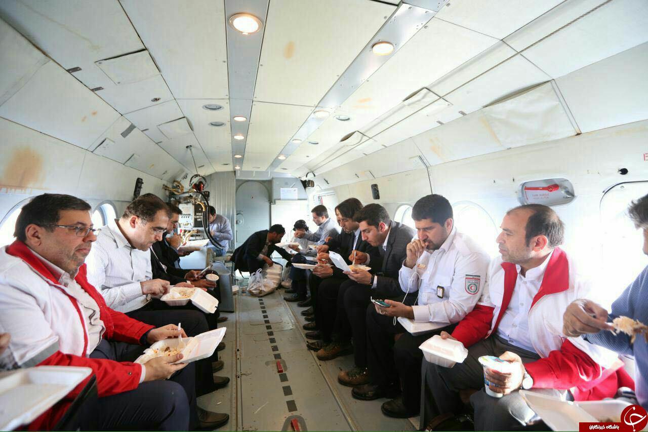 ناهار وزیر بهداشت در هواپیما + عکس