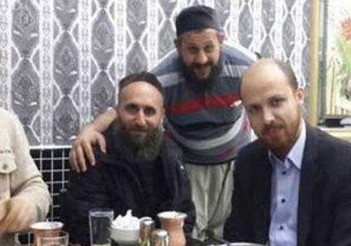 پسر اردوغان در کنار رهبران داعش! +عکس