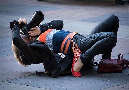عکاسانی که برای گرفتن عکس از هیچ کاری دریغ نمیکنند + تصاویر