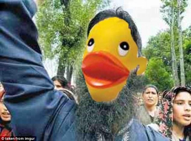 فتوشاپ داعشی ها با اردک های پلاستیکی+ تصاویر