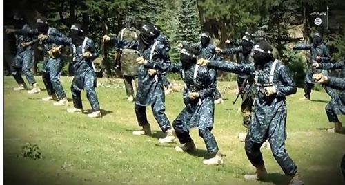 فارغ التحصیلان آکادمی نظامی داعش+ تصاویر