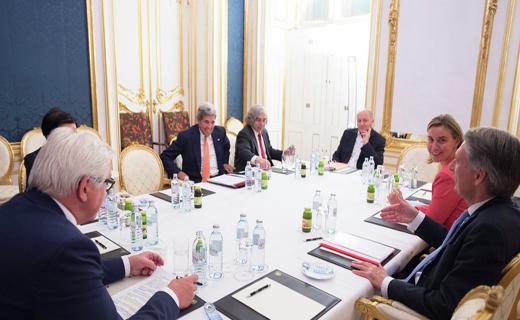 از توافق هستهای لوزان و آغاز تجاوز رژیم سعودی به یمن تا حمله قریب الوقوع به تاسیسات هستهای ایران و هلاکت مدل داعشی + تصاویر