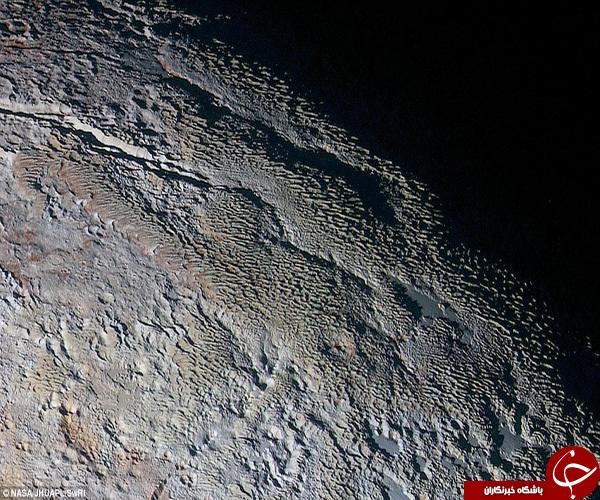 اقیانوس منجمد چند صد کیلومتری زیر قمر دورترین عضو منظومه شمسی+تصاویر