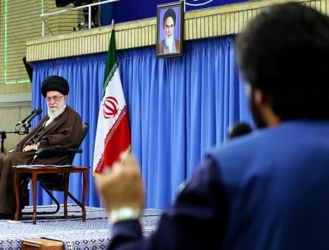 4319187 975 جمعی از مداحان اهلبیت(ع) با رهبر انقلاب اسلامی دیدار کردند