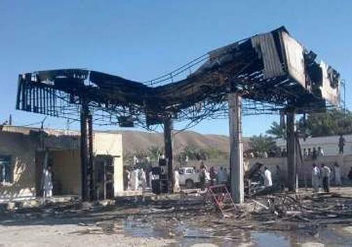 تلفن همراه، پمپ بنزین بخش آشار مهرستان را به آتش کشید