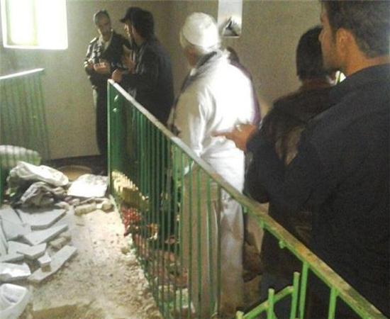 تخریب مرقد یک امام زاده در سنندج! +عکس
