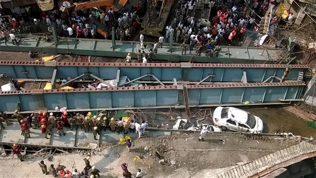 ریزش پل در کلکته هند+ عکس