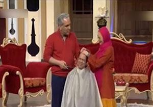 دانلود فیلم تراشیدن سر نیما فلاح توسط مهران مدیری در برنامه دورهمی