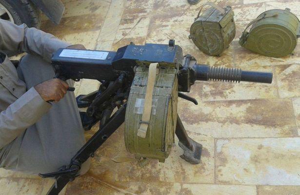 راهاندازی بازارهای خرید و فروش اسلحه در فیسبوک از سوی داعش+ تصاویر