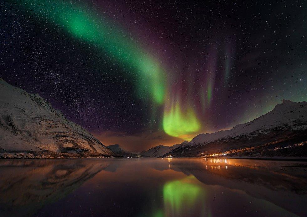 رقابت زیباترین عکس های نجومی در مسابقه عکاسی نجوم 2016زیباترین عکس های نجومی سال 2016 که در رقابت جهانی نجوم شرکت می کنند