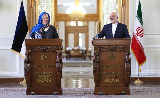 واکنش ظریف به اظهارات کری علیه ایران/ کالجوراند: موگرینی هفته آینده به ایران سفر میکند