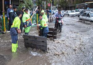 4378116 792 آمادگی نیروهای سرویس ها و خدمات شهری پایتخت در پی بارندگیهای اخیر