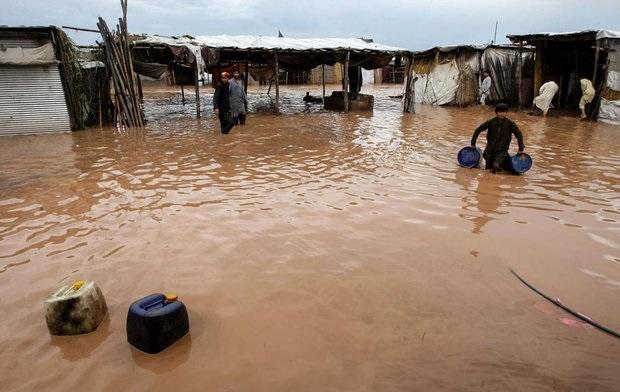 تخریب سیل در 13 استان ادامه دارد/تخلیه جمعیت 19 روستا/4 کشته و یک مفقود تاکنون+تصاویر
