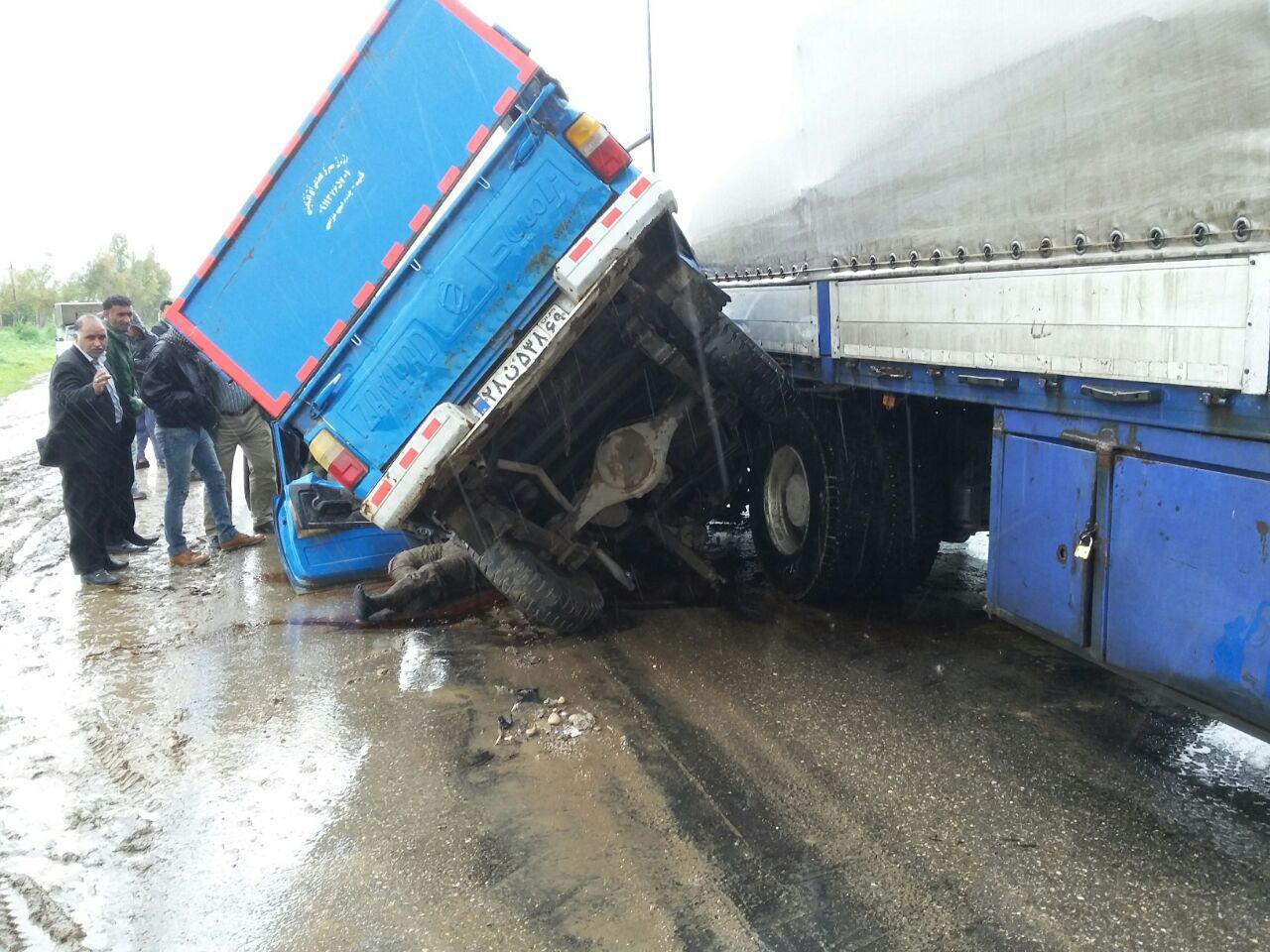 برخورد مرگبار نیسان و کامیون + تصاویر (+18)