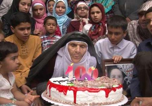 جشن تولد مادربزرگ 100 ساله! +عکس