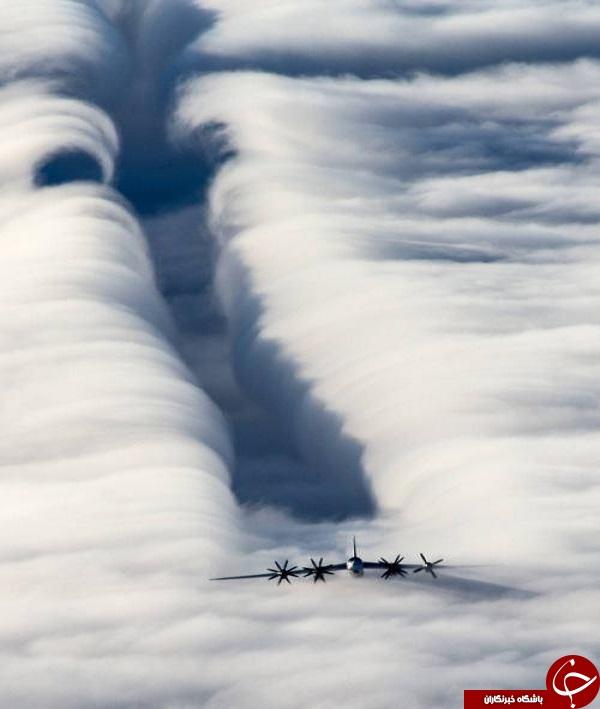 تونل ابر ایجاد شده توسط بمب افکن +عکس