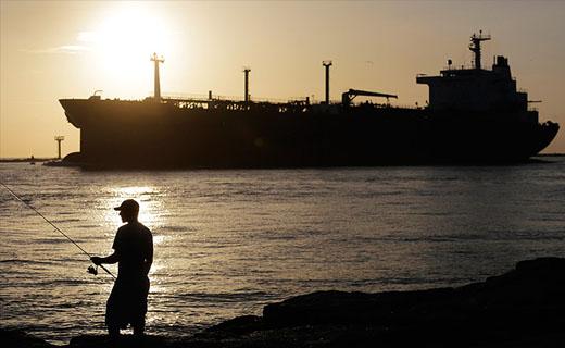 از کارخانه کشتی سازی دوو در ایران تا کشف جسد سفیر یونان در برزیل و حراج لیموزین ضدگلوله پوتین+تصاویر