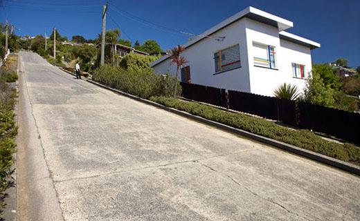 شیب دارترین خیابان مسکونی جهان