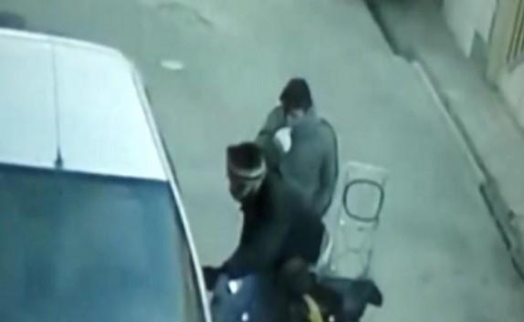 باشگاه خبرنگاران - سرقت وسایل خودرو به راحتی آب خوردن! + فیلم