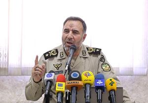 ارتش علاوه بر دفاع از تمامیت ارضی کشور در حفظ امنیت داخلی نیز ایفای نقش میکند