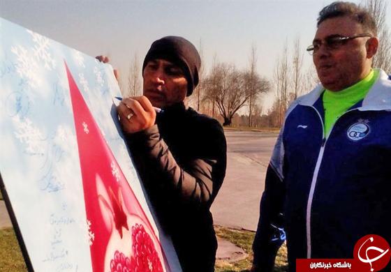 رحمتی خون داد؛ استقلالیها تابلوی اهدای خون را امضا کردند +تصاویر