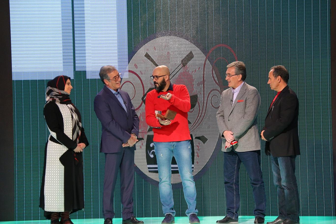 اهدای جایزه طارمی جبه برانکو