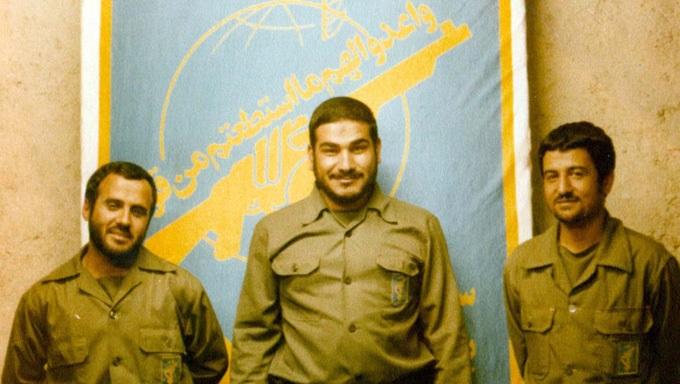 دریابان علی شمخانی (دبیر شورای عالی امنیت ملی) در کنار محمد علی جعفری (فرمانده کل سپاه پاسداران)