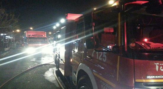 آتش سوزی منزل 3 طبقه متروکه در جوادیه/ حادثه خسارت جانی نداشت