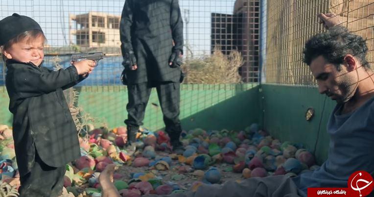 کودک 3 سالهی داعشی یک سوری را اعدام کرد + تصاویر