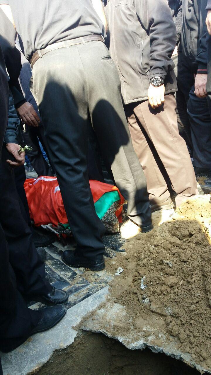 حضور علی پروین و پیشکسوتان پرسپولیس در مراسم خاکسپاری سیدعلیخانی+تصاویر