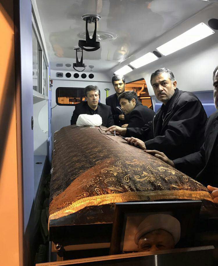 مراسم وداع با یار دیرین امام و رهبری/ پیکر آیتالله هاشمی رفسنجانی به دانشگاه تهران منتقل شد