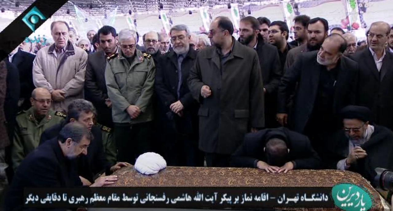 پیکر آیت الله هاشمی رفسنجانی به صحن دانشگاه تهران منتقل شد