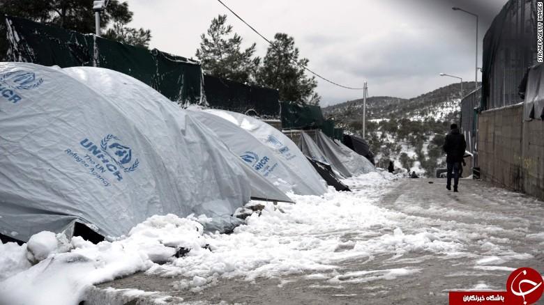 وخامت شرایط پناهجویان به دلیل کاهش شدید دما در اروپا +تصاویر