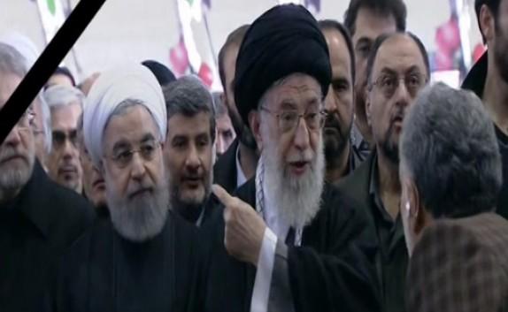 تاکید رهبر انقلاب بر اقامه نماز توسط کلیه حاضران در مراسم تشییع پیکر آیتالله هاشمی + فیلم