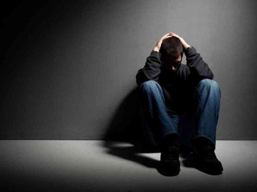 انزوا و افسردگی در جوانی نتیجه تنبیه نادرست در کودکی/ راهکار چیست؟