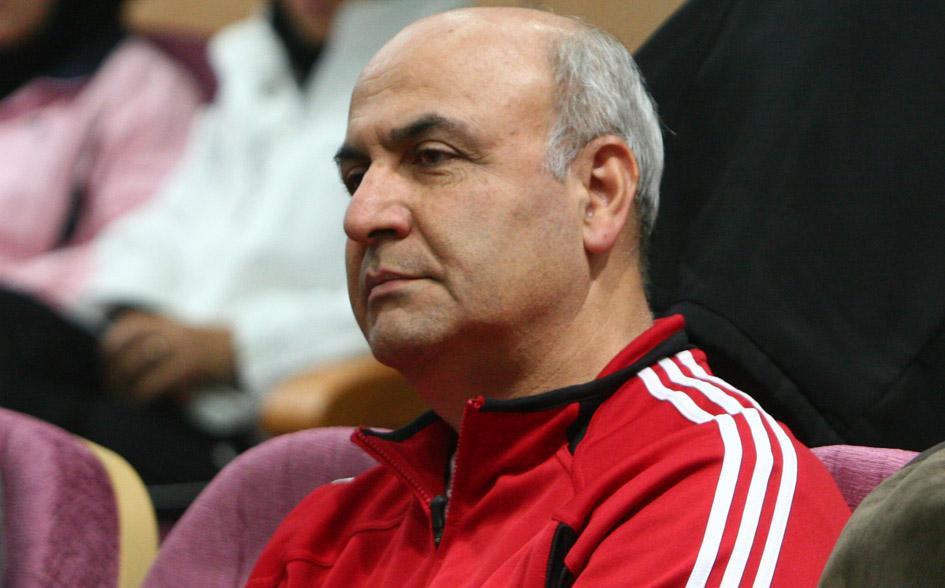 محصص:فیفا باید در تصمیم خود تجدید نظر کند/جپاروف می تواند ناجی استقلال شود
