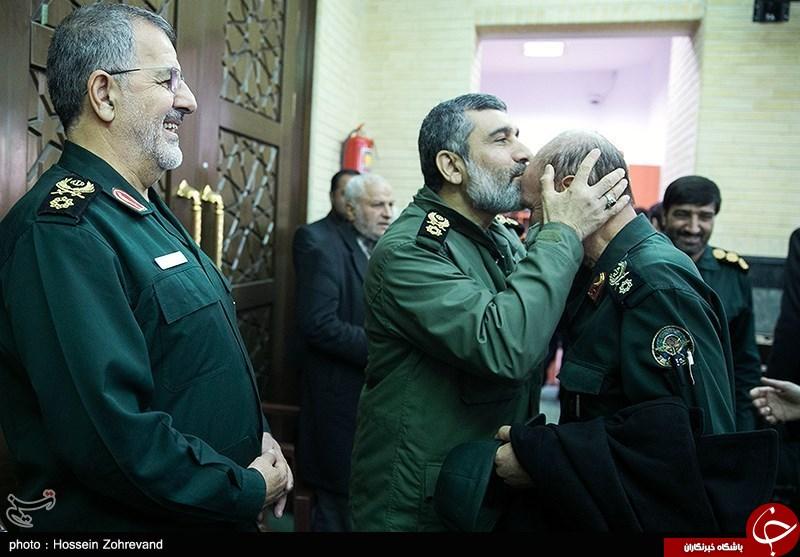عکس/ احترام ویژه سردار به فرمانده پیشکسوت
