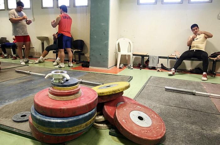 اردوی تیم ملی وزنه برداری دوشنبه آغاز می شود